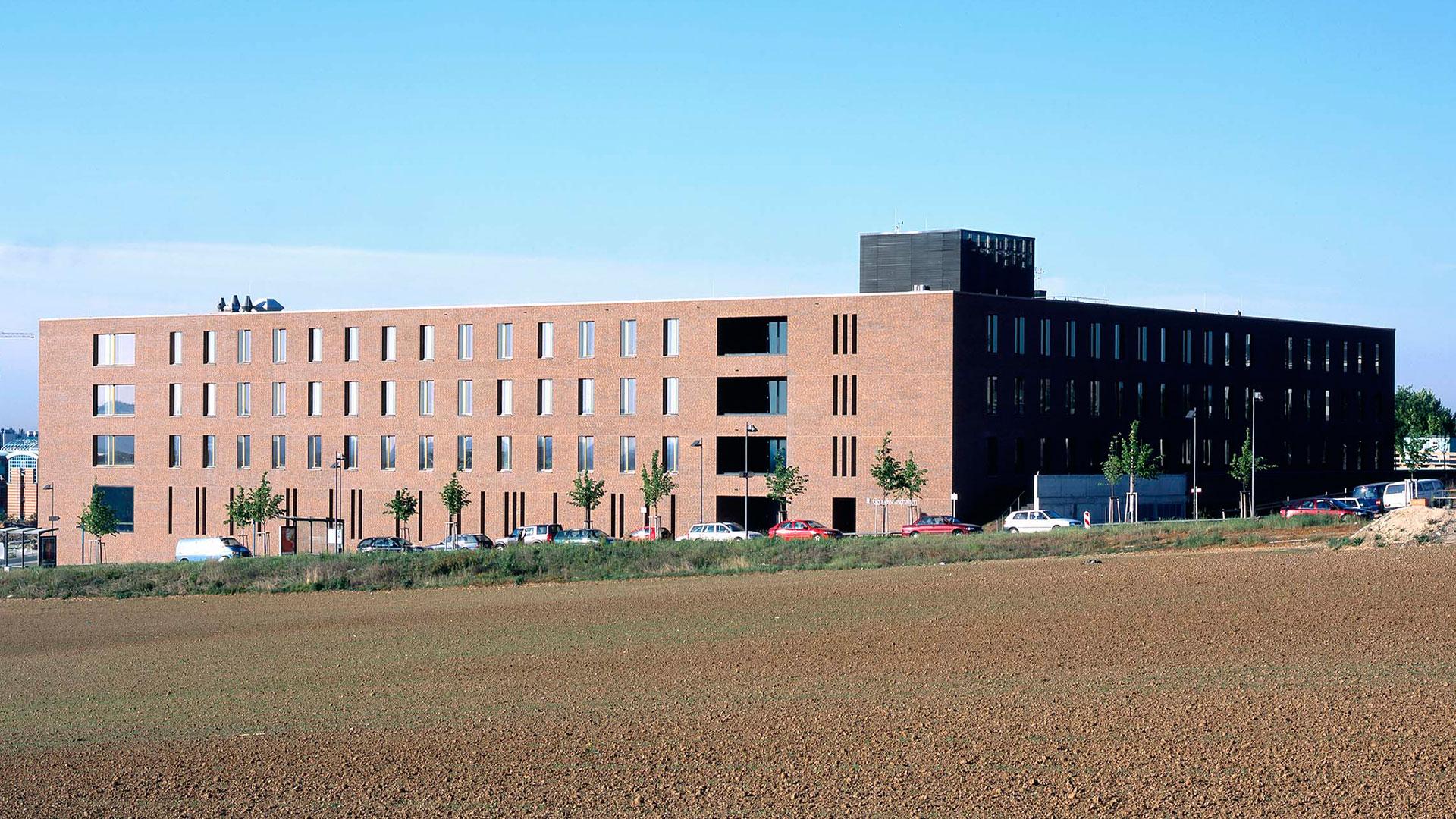 Geowissenschaften Frankfurt 1 - ArGe Architekten