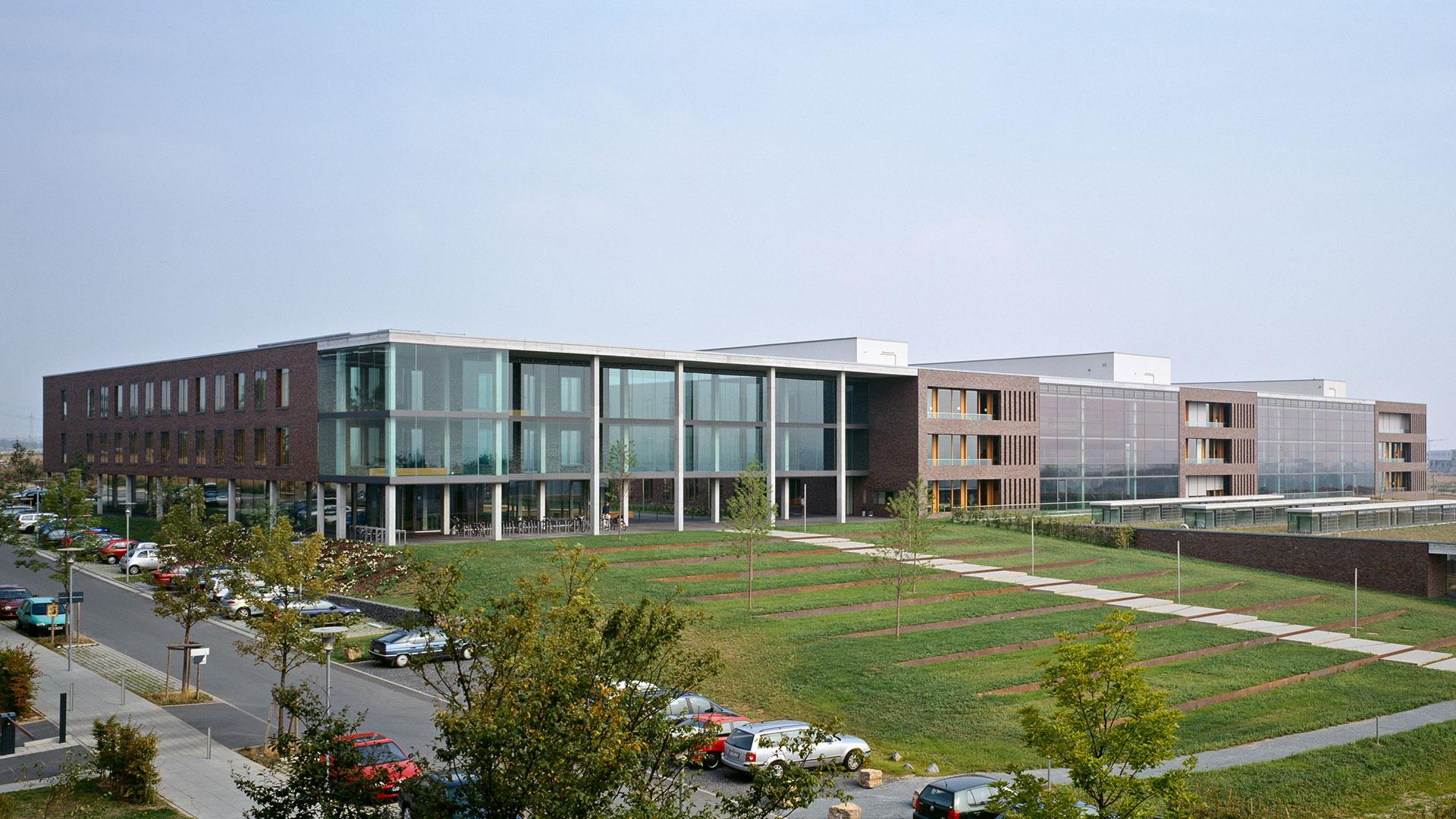 Physikalisches Institut Frankfurt 2 - ArGe Architekten